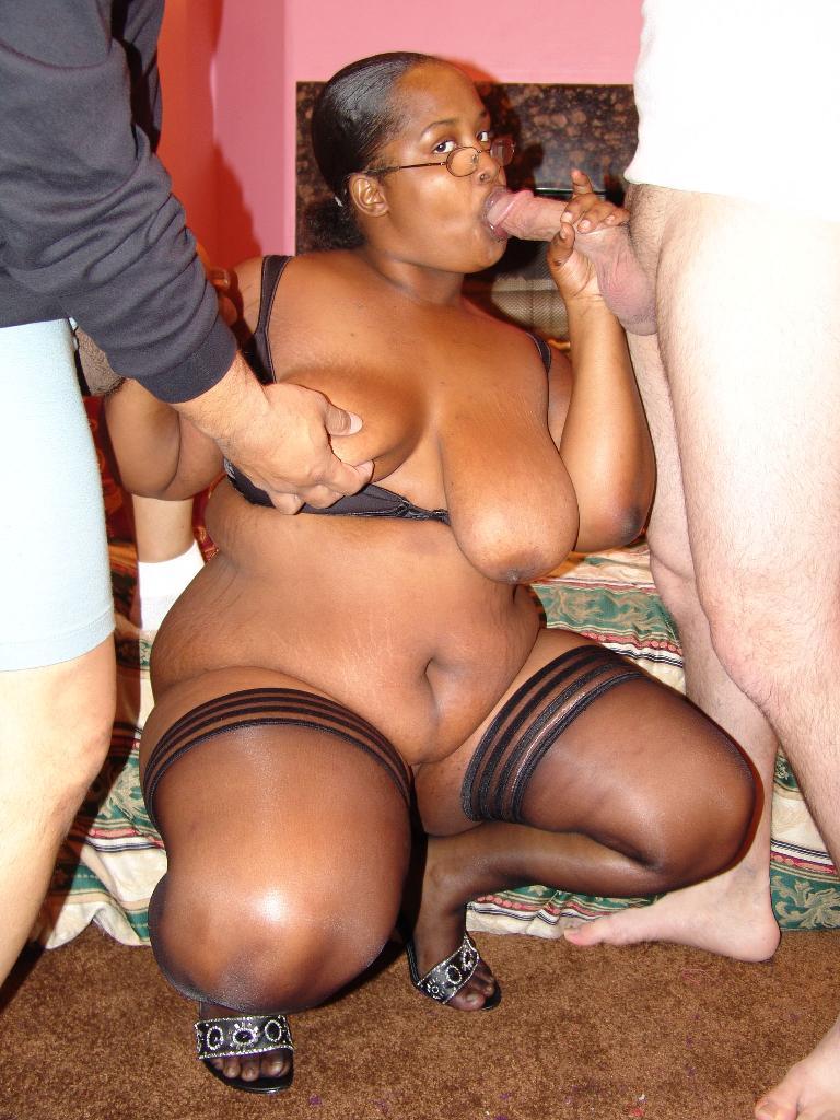 Ebony huge tits solo