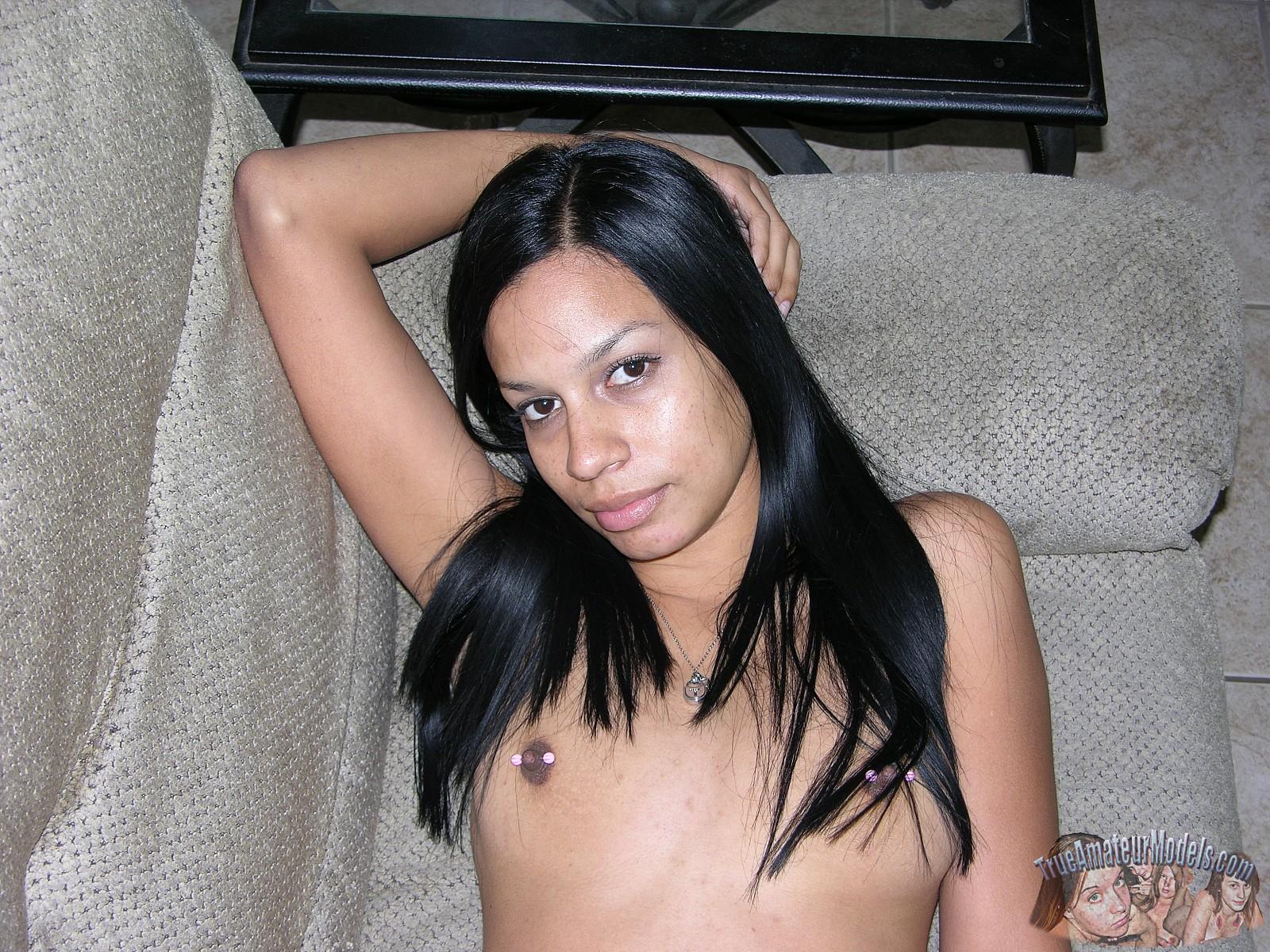 Amateur She Loves Black Dick